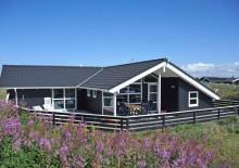 Ferienhaus mit geschl. Terrasse – 150 m bis zum Strand