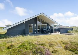 Super velholdt feriehus med spabad og sauna (billede 1)