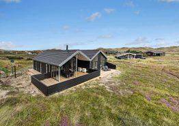 Feriehus med billard og beliggenhed nær stranden