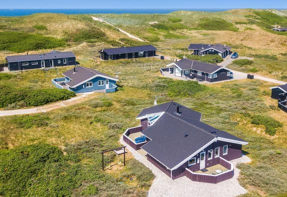 Modernes Ferienhaus mit Sauna und Whirlpool – nur 150 m zum Strand