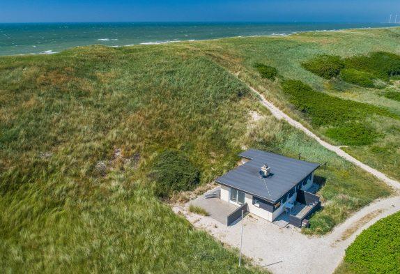 Gemütliches Ferienhaus mit fantastischem Ausblick und nur 75 Meter vom Strand entfernt