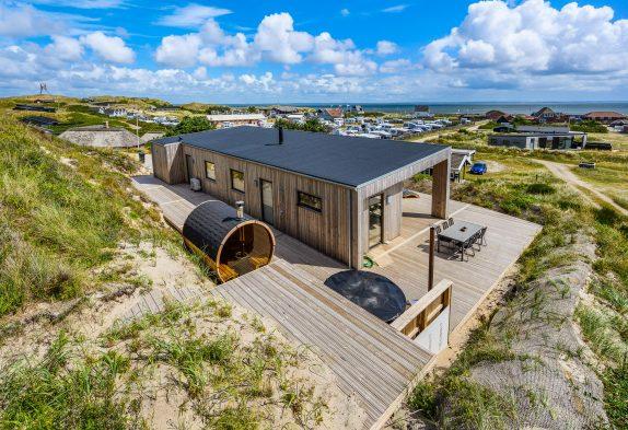 Topmoderne og luksuriøse 5-stjernet feriehus, kun 150 m fra havet
