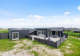Moderne strandnært sommerhus med vildmarksbad og udesauna. Kat. nr.: EE1125, Præstegårdsvej 8;