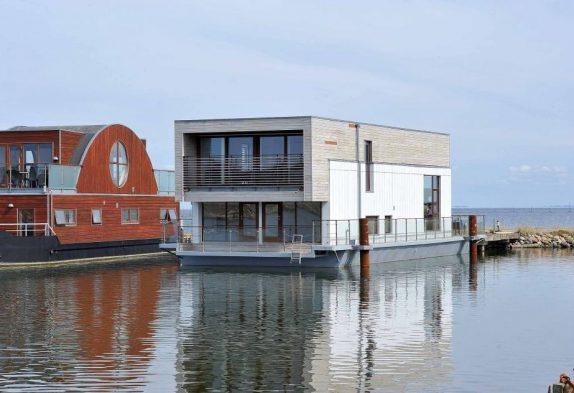 Hausboot in hoher Qualität und mit schöner Aussicht