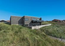 Feriehus med god beliggenhed og terrasse med udsigt