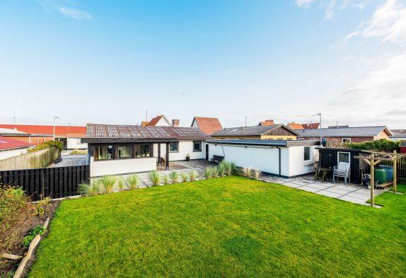 Stadt- Ferienhaus mit nur 200m zur dänischen Westküste
