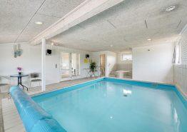 Poolhaus für 8 Personen mit Whirlpool und Sauna (Bild 3)