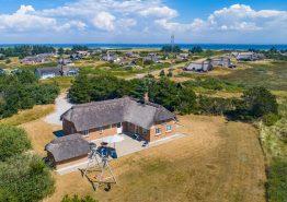 Schönes Reetdachhaus mit Sauna und Whirlpool. Kat. nr.:  H5029, Nordsø Ferievej 13;