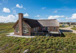 Moderne stråtagshus med fantastisk udsigt