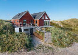 Lækkert kvalitetshus på fredelig grund med skøn udsigt. Kat. nr.:  H5252, Opstrupsvej 89;