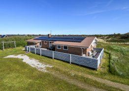 Energivenligt poolhus med gratis strøm. Kat. nr.: H5341, Vestklitvej 16 A;