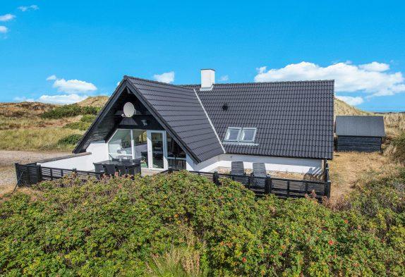 Schönes Ferienhaus in guter Lage auf Naturgrundstück