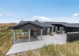 Skønt hus m. panoramudsigt og sauna, lige bag klitterne, hund tilladt