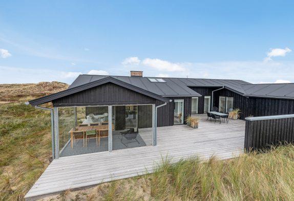modernes ferienhaus mit panoramaramaussicht direkt in den d nen esmark. Black Bedroom Furniture Sets. Home Design Ideas