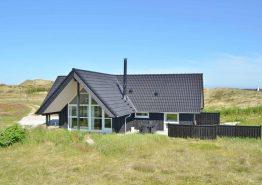 Qualitätshaus auf schönem Naturgrund mit guter Terrasse. Kat. nr.:  H5932, Opstrupsvej 96;