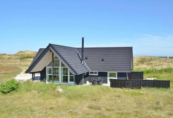 Kvalitetshus på skøn naturgrund med god terrasse