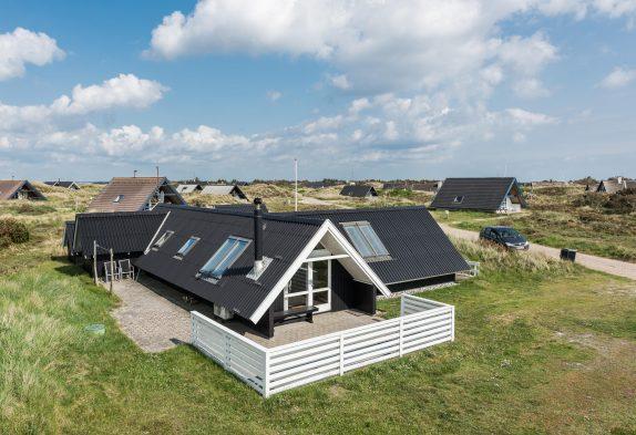 Gemütliches Ferienhaus mit Whirlpool in strandnaher Lage