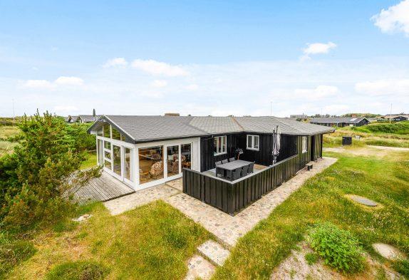 Hübsches & gemütliches Sommerhaus mit Wintergarten