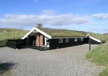 Personlig indrettet feriehus tæt ved stranden. Kat. nr.:  J0127, Esebjergvej 68;