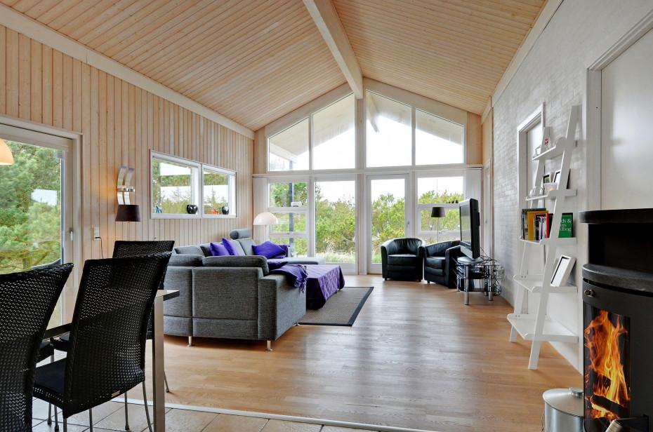modernes ferienhaus sch ne terrassen tolle lage. Black Bedroom Furniture Sets. Home Design Ideas