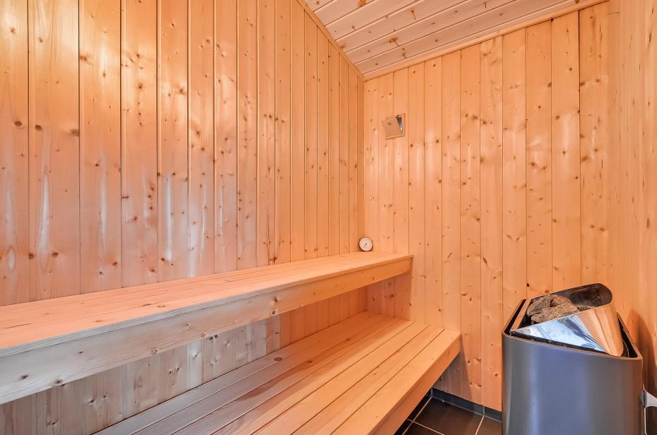 sch nes ferienhaus mit 2 badezimmer f r 8 personen. Black Bedroom Furniture Sets. Home Design Ideas
