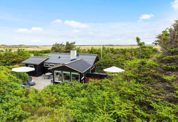 Schönes Ferienhaus in ruhiger Lage und tollen Terrassen