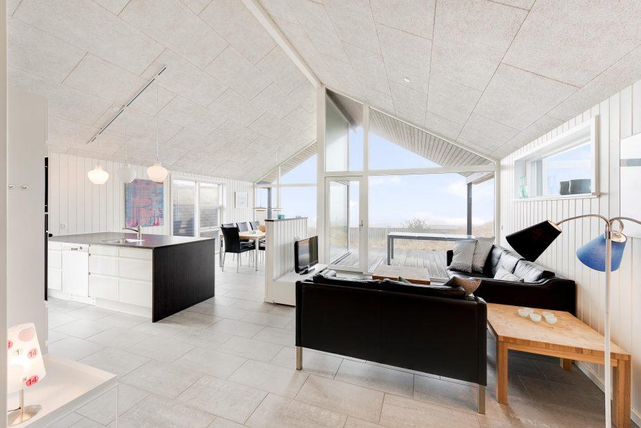 Haus mit meerblick geschmackvoller einrichtung esmark for Haus einrichtung