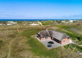 Schönes Ferienhaus in toller Lage mit großer Terrasse. Kat. nr.: J6119, Krogen 45;