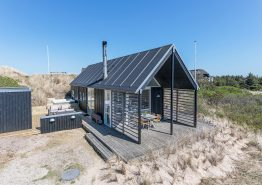 Schickes stilvolles Ferienhaus mit Aussensauna und Aussenwhirlpool