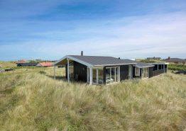 Einladendes Ferienhaus mit Außendusche und 250 m zum Meer. Kat. nr.:  J6340, Lærkedalen 54