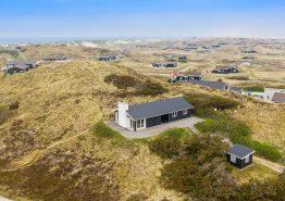 2020 renoviertes Ferienhaus nur 350m vom Strand. Kat. nr.: J6346, Sortebærdalen 15;
