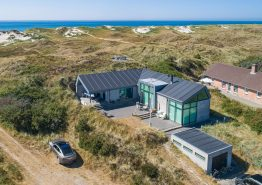 Modernes Ferienhaus in der Nähe vom Strand