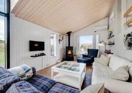 Charmantes Holzhaus in fantastischer, strandnaher Lage (Bild 3)