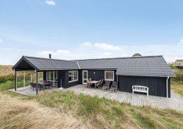 Moderne feriehus med vildmarksbad 300 meter fra havet. Kat. nr.:  J6739, Klitdalen 73;