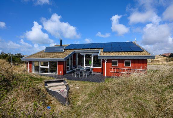 Strandnahes Ferienhaus in Houvig mit Whirlpool, Sauna und Internet