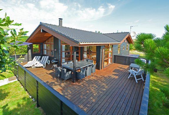 Schönes Haus Mit Geschlossener Terrasse Und Wärmepumpe