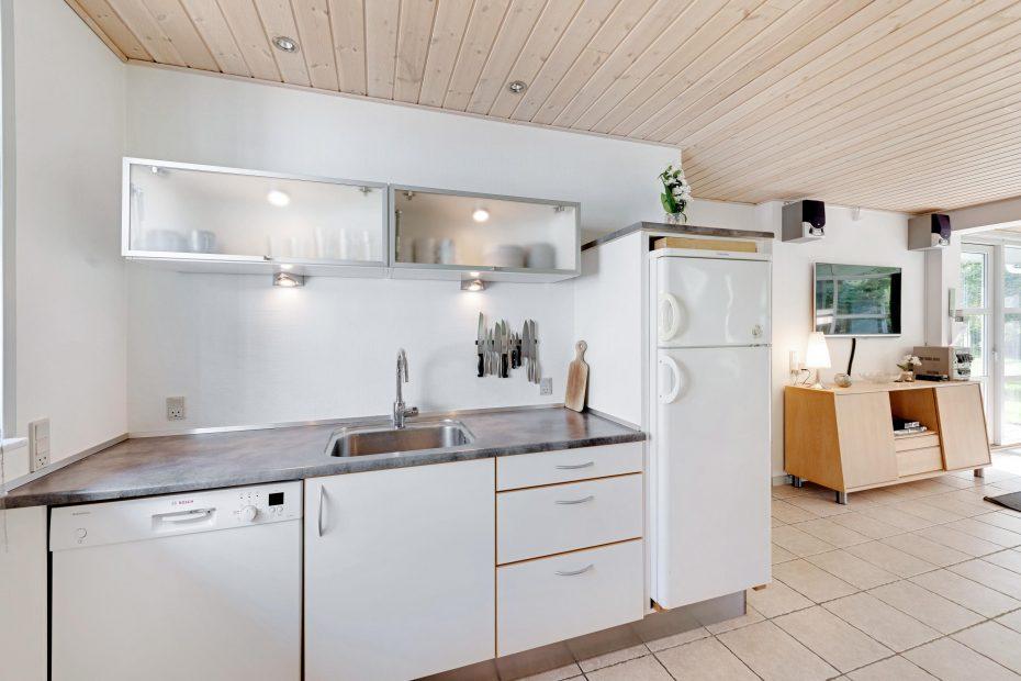 gepflegtes nichtraucherhaus mit whirlpool und sauna. Black Bedroom Furniture Sets. Home Design Ideas