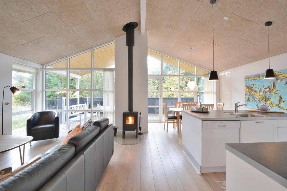 qualit tshaus mit toller einrichtung und terrasse esmark On einrichtung terrasse