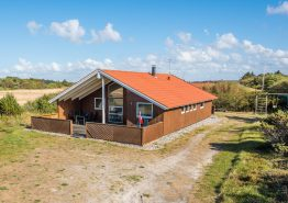 Gemütliches Ferienhaus mit Whirlpool und Sauna. Kat. nr.:  K6447, Løvsangervej 9;