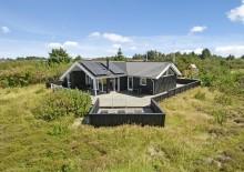 Qualitätshaus auf ruhigem Naturgrundstück mit Spielturm