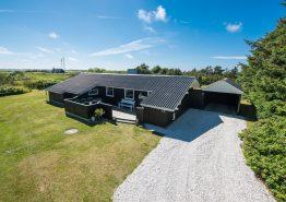 Ferienhaus auf großem Rasengrundstück in ruhiger Lage. Kat. nr.:  K6548, Brunbjergvej 10