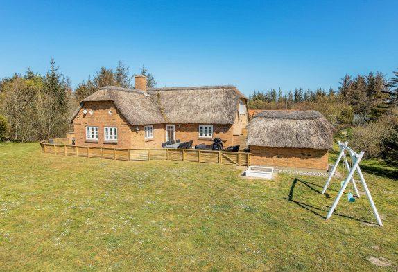 Qualitätshaus mit Sauna, 2 Whirlpools und hochwertiger Einrichtung