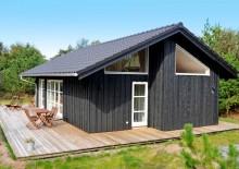 Skønt feriehus med terrasse på afskærmet naturgrund. Kat. nr.:  K6728, Risbjergvej 76;