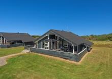 Hus med lukket terrasse – ideelt til hunde, nær fiskesø. Kat. nr.:  K6915, Klevevej 75;