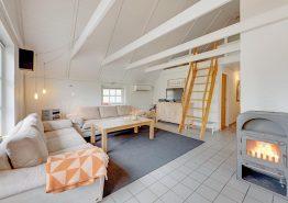 Modern renoviertes Ferienhaus in Vester Husby mit Wellnessbereich und Kaminofen (Bild 2)