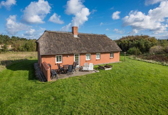 Klassisches, renoviertes Reetdachhaus mit Whirlpool und Sauna