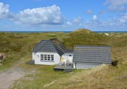 Schönes Sommerhaus nur 100 Meter vom Strand entfernt.. Kat. nr.:  i0032, Nordsøvej 346;