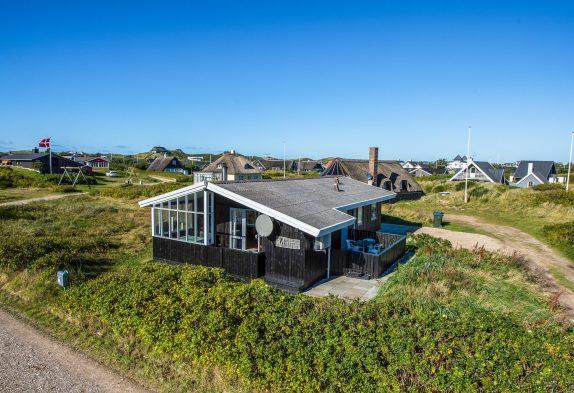 Ferienhaus mit geschlossener Terrasse, nur 250m zum Strand