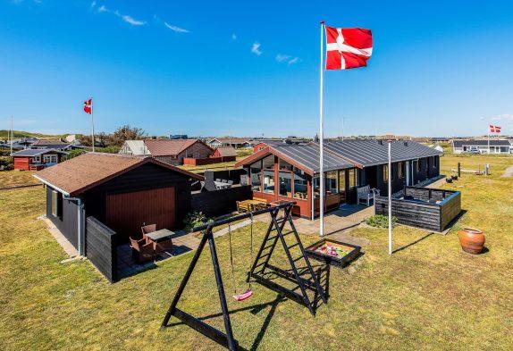 Ferienhaus in Søndervig mit Aktivitätsraum und Wintergarten