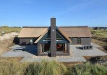 Kvalitetshus med poolbord i yderste klitrække